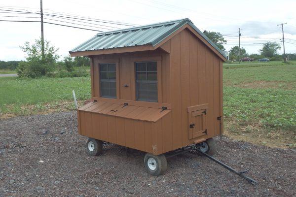 4×6 Quaker chicken coop on wheels